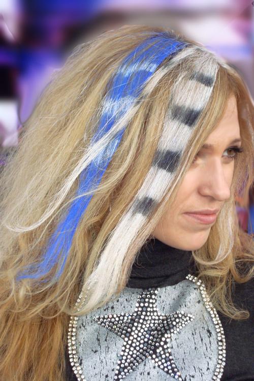 зебра на волосах фото